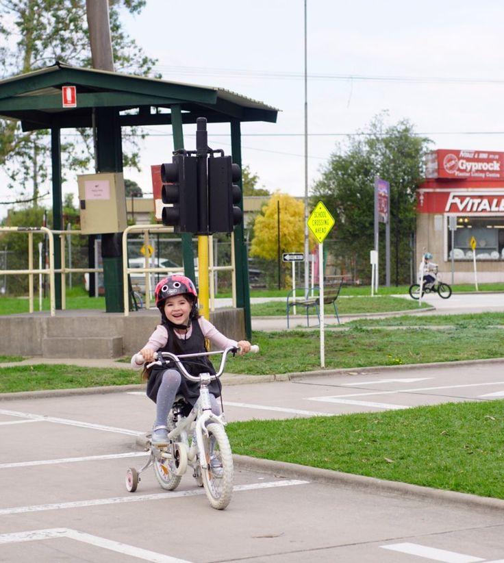 HOT: Essendon Traffic School, Corner Albion and Lawson Streets, Essendon http://tothotornot.com/2017/07/essendon-traffic-school/
