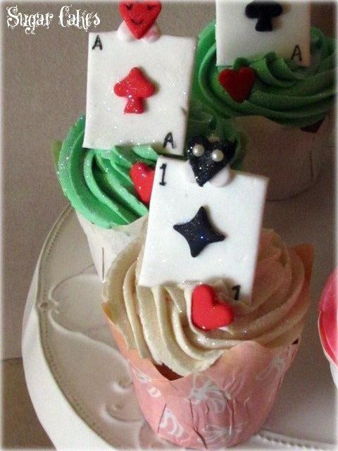 Alice cupcakes