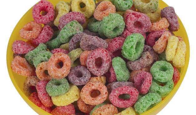 """""""Cereais integrais contêm menos açúcares e, normalmente, são melhores fontes de fibras do que os cer... - Getty Images"""