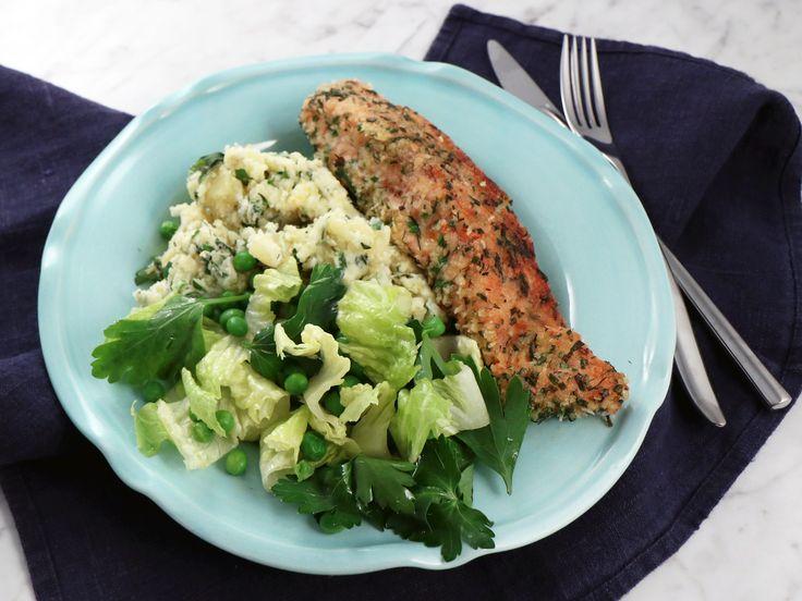 Frasig örtlax med potatisstomp | Recept från Köket.se