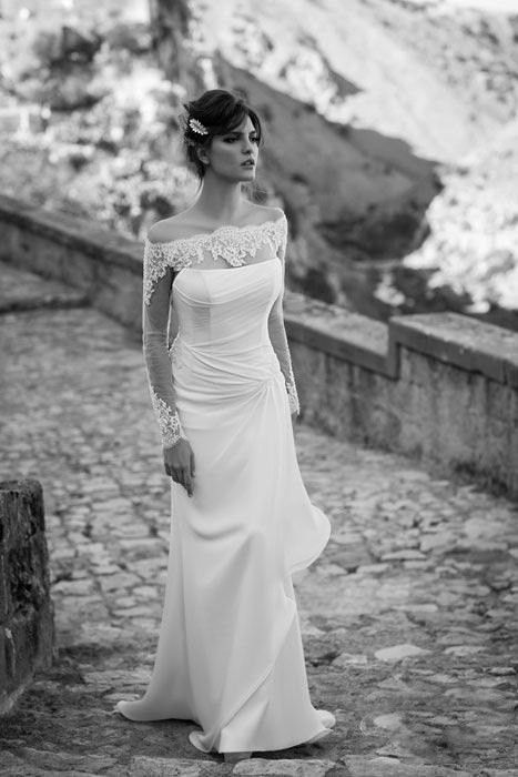 Fabulous Italian wedding dress #wedding #dress www.loveitsomuch.com