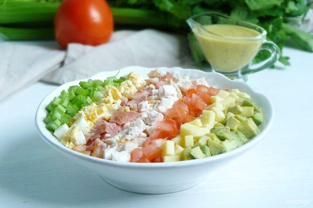 Одно из самых популярных блюд кухни США - Кобб салат. Он невероятно питателен, так как содержит большое количество ингредиентов и на мой взгляд должен…