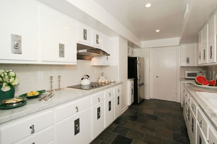 """Traditional Kitchen with Calcutta marble, Raised panel, Arabescato Carrara Hexagon / 1"""" / Honed, Complex marble counters"""
