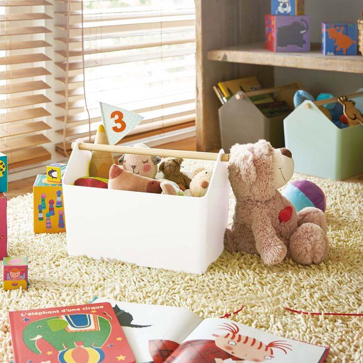 これからの大掃除にオススメな「収納ボックス ファボリ」のご紹介です。天然木を使った北欧テイストの収納ボックス。子供のおもちゃなど、リビングの収納から、キッチン、サニタリールーム、ランドリーなど様々な場所で大活躍◎選べるカラーバリエーションは4色。いくつか並べても可愛く、お部屋の雰囲気に合わせてお選びいただけます。  ■size 約W37×D21×H24cm  #home#Favori#おもちゃ収納#キッチン収納#サニタリー収納 #見せる収納#水切りカゴ#収納術#北欧#北欧雑貨#モノトーンインテリア#整理整頓#整理収納#暮らし#丁寧な暮らし#シンプルライフ#おうち#収納#シンプル#モダン#便利#おしゃれ #雑貨 #yamazaki #山崎実業