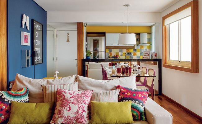Na sala de jantar o balc o espelhado com altura de 1 10 for Decoracion ambientes muy pequenos