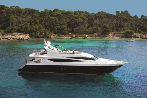 Princess 95 Molly Malone offers you multiple water toys to enjoy your trip. Rent her for a day or more and enjoy ! She starts at 54000€ per week.