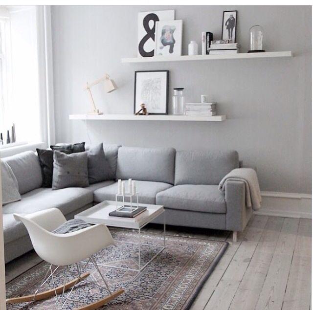 Wohnzimmer wand und regalleiste