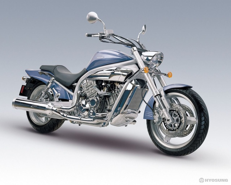 Hyosung GV-650 Sportcruiser. Mine is a 2006 Blue version, just like in the picture.