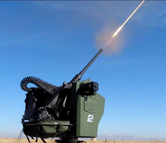 Aselsan)SARP Uzaktan Komutalı Stabilize Silah Sistemi •Taktik kara araçlarında ve sabit tesislerde hava ve kara tehditlerine ve asimetrik tehditlere karşı kullanılır. •Harekat ihtiyacına uygun olarak sisteme, farklı silahlar takılabilmektedir. Gece ve gündüz gözetleme, hedef tespit ve takip imkânı sağlayar. Gelişmiş uzaktan komuta yteneğine sahiptir. •Silah Seçenekleri -> 12.7mm Makinalı Tüfek(400 adet muimmat) ->7.62mm Makinalı Tüfek(1000 adet muhimmat ) ->40mm Otomatik Bomba Atar(96 adet…