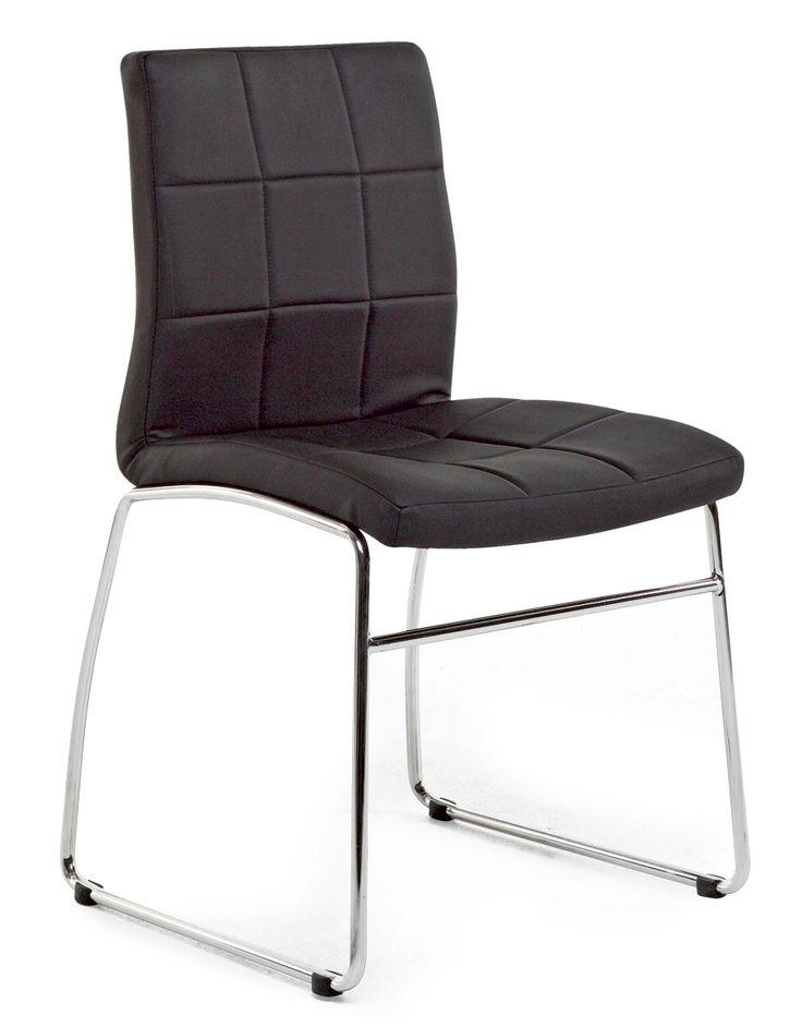 Askon Recor-ruokapöydän tuolit.