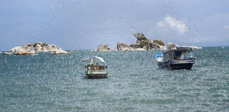 Pantai Tanjung Kelayang menawarkan panorama wisata unik kepulauan Belitung