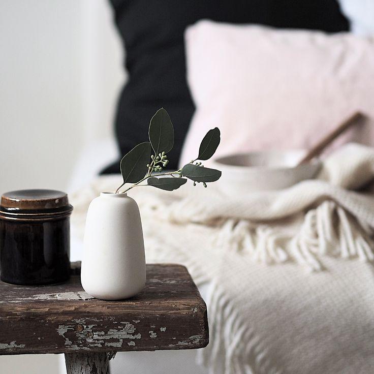 Via Instagram | @erikaappelstrom  #scandinavian #nordic #livingroom #bench #sofa #white #interior