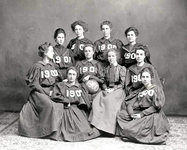 Vassar basketball team 1900