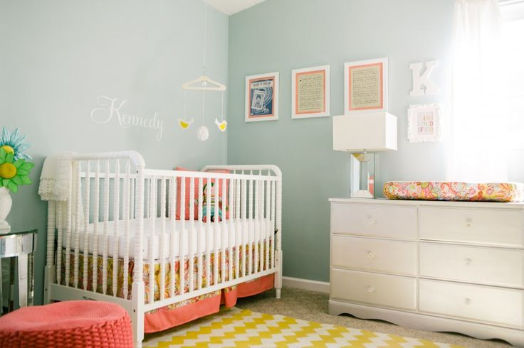 Bright, fresh nursery with fun pops of color! Love the #chevron rug in yellow.