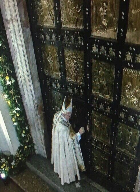 Pope Francis closing the door of the year of mercy, Thankyou my lord 11/20/16