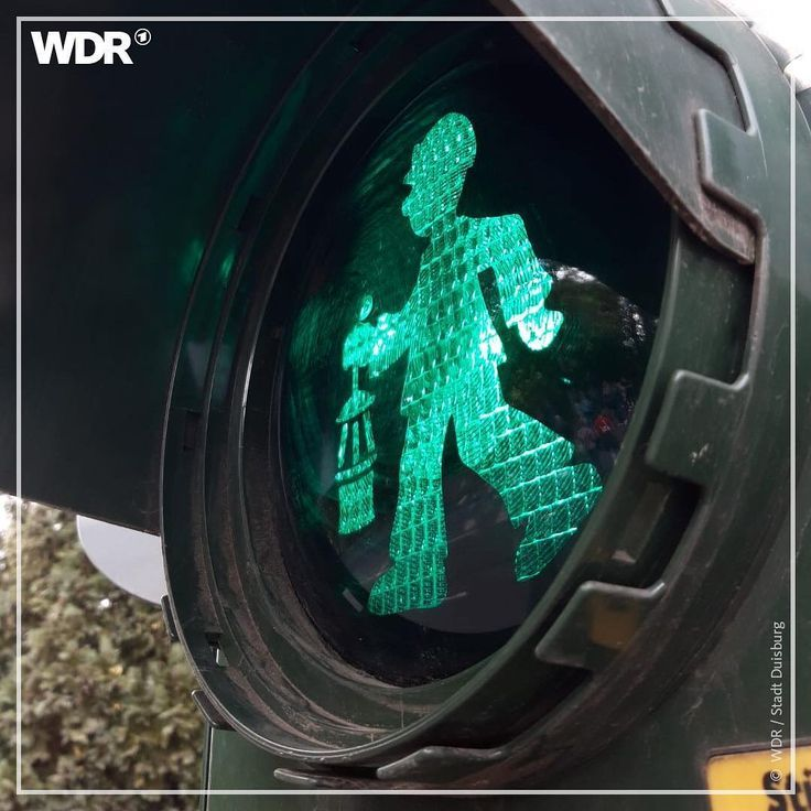 Gluckauf Der Steiger Kommt In Duisburg Gibt Es Jetzt An Sechs Kreuzungen Bergmannampeln Duisburg Bergbau Ruhrpott Duisburg Ruhrgebiet Kohlenpott