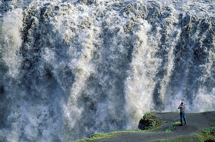 Ocho cascadas impresionantes en Islandia · National Geographic en español. · Actualidad Viajera