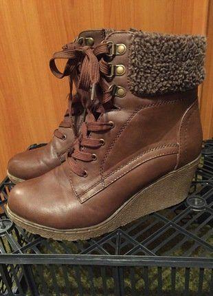 Kupuj mé předměty na #vinted http://www.vinted.cz/damske-boty/kozacky/14470780-hnede-kozacky-na-klinku-s-koziskem