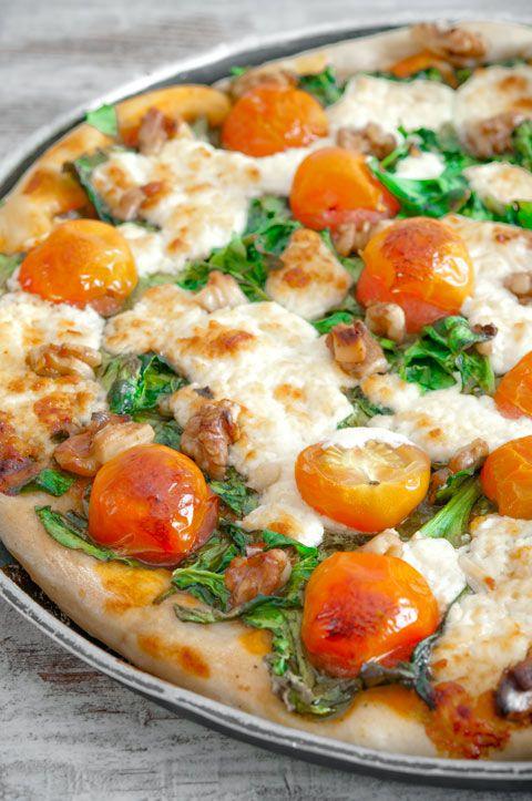 Pizza de espinacas, queso de cabra y #nueces