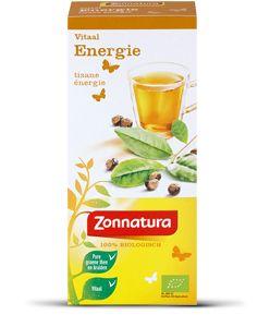 Energie - Zonnatura Zonnatura Energie is een thee op basis van pure biologische groene thee en kruiden. Het is een melange van groene thee, guarana en sinaasappel. Deze speciaal geselecteerde melange heeft een verfissende smaak door de sinaasappel en een verkwikkende smaak door de guarana. De biologische thee past in een gevarieerd voedingspatroon en een gezonde levensstijl.