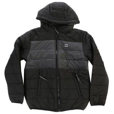 Куртка детская Billabong Revert Black  — 4869р. ---------------- Куртка Revert Boy - это, по сути, 2 куртки в одной. С одной стороны это теплая стеганая непродуваемая куртка, с другой - удобная флисовая толстовка не стесняющая движений.Характеристики:Логотип на груди. Двухсторонняя куртка. Внутренняя ткань: флис.