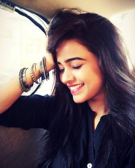 #APITConnect - yaad lagla ga yaad laglaa..@akashthosar@ #sairat#yaad#akashthosar#prem#crazy#me#going#pune#my#car#selfie#marathiactress#AkshayaGurav#listing#sairat#song by Akshaya Gurav http://bit.ly/1OoA5ZQ
