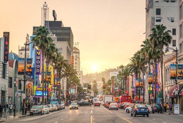 Los Angeles, de stad van de celebrities! Spot het 'Hollywood sign', ga met een bustour langs de huizen van beroemdheden en ga een sapje drinken bij de hippe tentjes!
