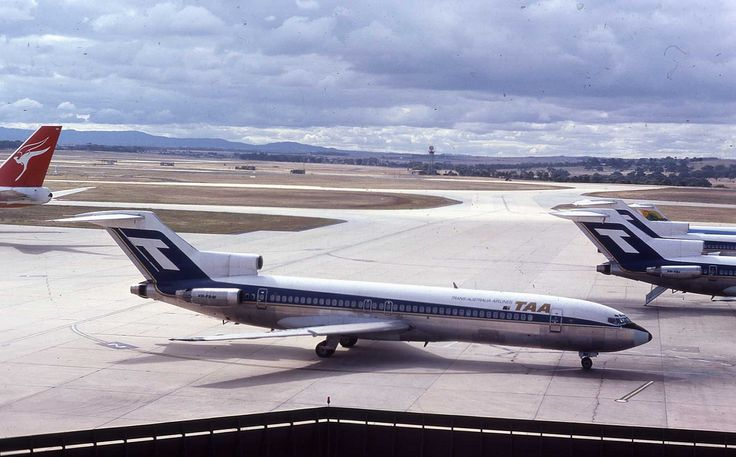 Trans Australia Airlines Boeing 727-276 (VH-TBM)
