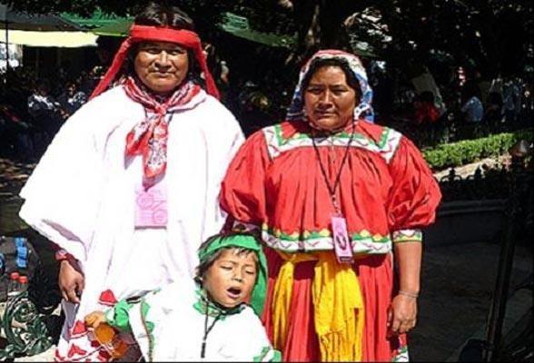 Beautiful native Tarahumara family. Chihuahua, Mexico