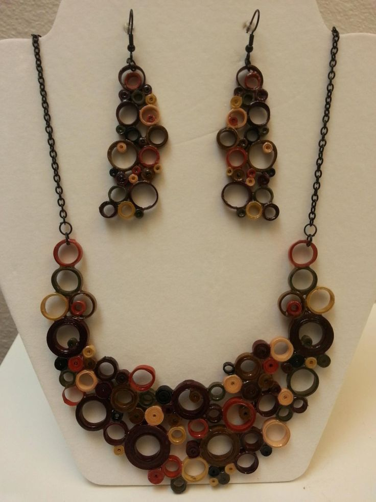 necklace and earrings quiled by TinasJewelryShop on Etsy