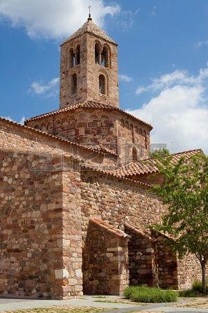 Campanario románico de la iglesia de Santa María, perteneciente al conjunto monumental de las iglesias de Sant Pere de Terrassa, Cataluña