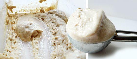 Dit is het aller makkelijkste eiwit ijs recept dat je maar zult vinden. Je heb hier maar twee ingrediënten voor nodig: griekse yoghurt en eiwitpoeder.