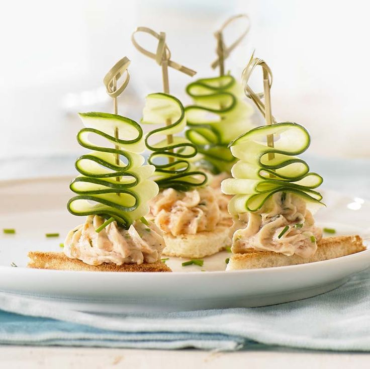 Sofa salmon mousse and cucumber