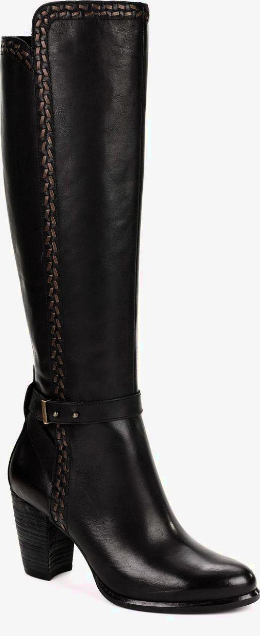 UGG authentic scalloped blush moccasins Sz 6 new UGG authentic scalloped blush moccasins Sz 6 new 100% authentic itemcloset#4cit UGG Shoes