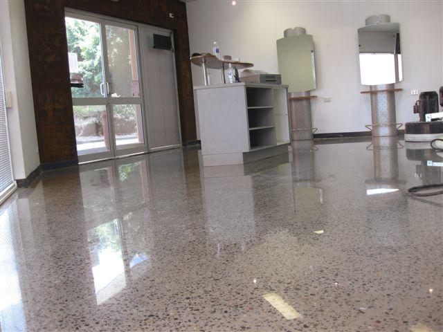 Concrete floor exposed aggregate