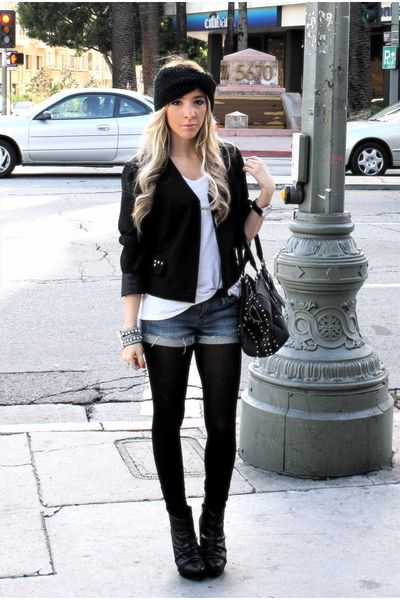 • Pecas de panecillo integral •: Shorts vaqueros y medias negras