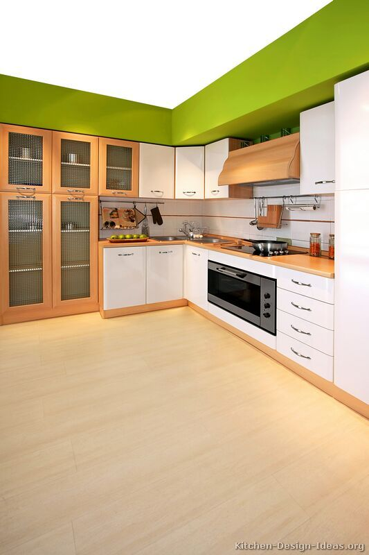 Modern Two-Tone Kitchen Cabinets #07 (Kitchen-Design-Ideas.org)