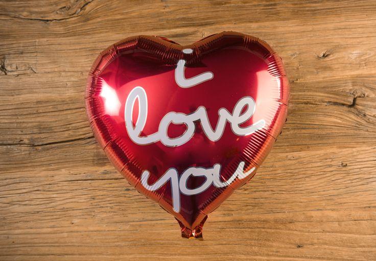 Globo Metálico I LOVE YOU Color Rojo - LOVERSpack. Con este globo crearas la atmósfera que tanto estás buscando crear para esa ocasión especial, aniversario, cumpleaños, boda o simplemente sorprendera a tu pareja. #decoracióncumpleaños #decoraciónaniversario #decoraciónboda #sorprenderamipareja #regalosoriginales #globos #decorarhabitaciónromántica #nocheromántica #parejas #regalos #sorpresas #LOVERSpack