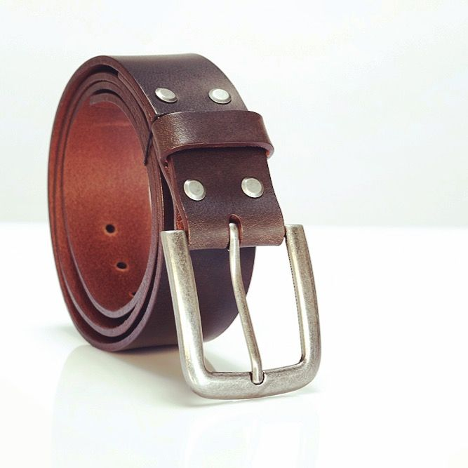 "Signature 40mm Wenska leather goods jean belt in ""winter chocolate"" brown. #vegtanned #belt #wenskaleathergoods #wlg #ladyleathermaker #polishdesigner #handcrafted #leathergoods"