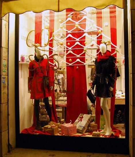Shoptellers, vetrine con la parlantina. Copywriting Alessia Attanasio, Calligraphy Marika Salerno.