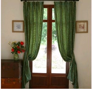 Styleline House offers a great range of Curtain Accessories & Curtain Poles in Melbourne.We offer a great range of Curtain Poles & Tracks,Tiebacks & Holdbacks and Pelmets.  http://www.stylelinehouse.com.au/7-curtain-accessories