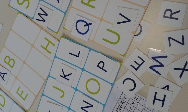 Reconstituer l'alphabet à partir d'un modèle.