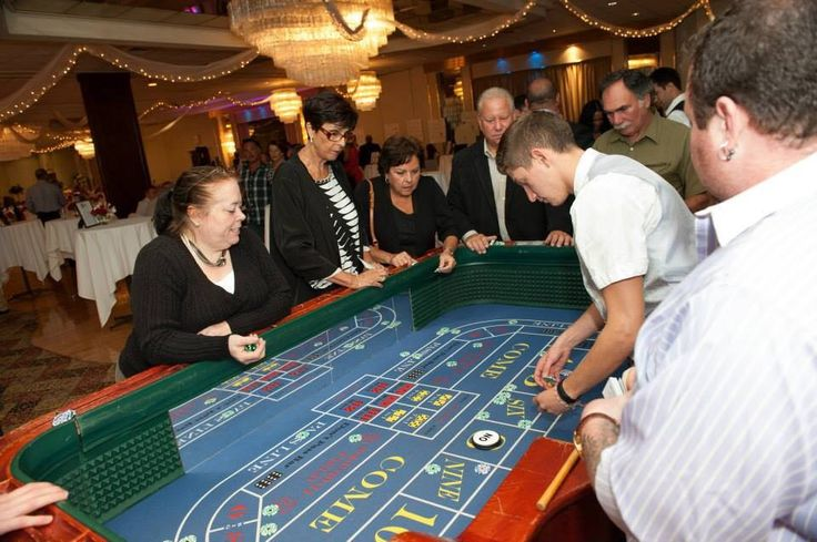 """Most online gambling sites aren't affiliated with any """"land"""" casinos, simply because the business models are so different. #onlinecasinos #gamblingfacts"""