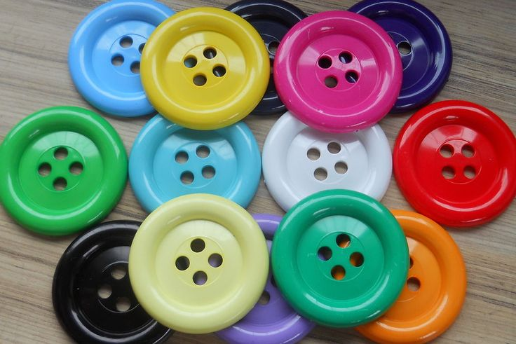 OVERSIZED CLOWN BUTTONS: SIZES 60 (38mm)- 100 (65m) X 2 BUTTONS ***