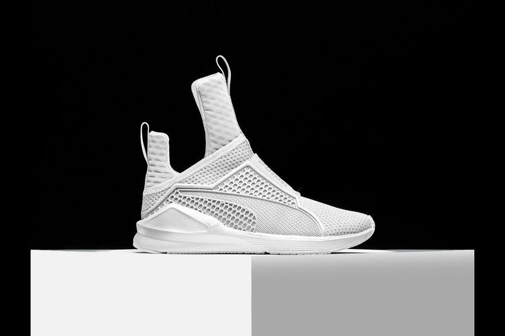 Followingher collection debutas part of New York Fashion Week, Rihanna presents her latest footwear collaboration with PUMA: the Fenty Trainer.