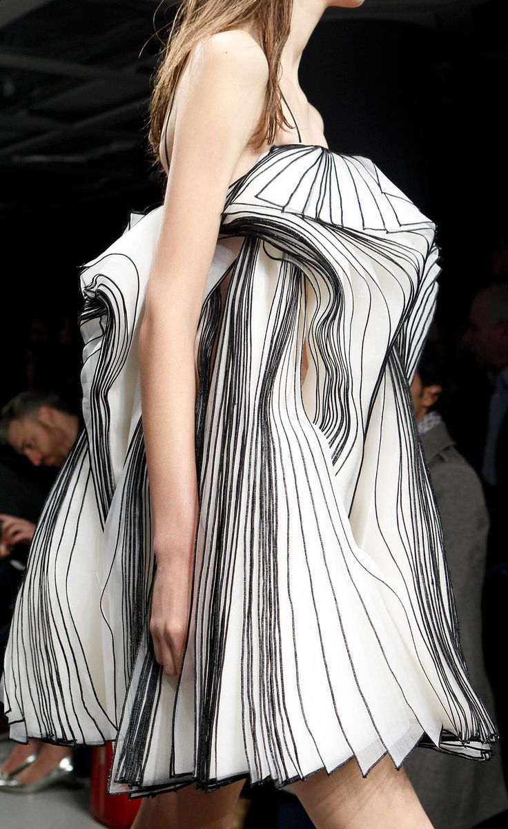 Wearable Art - two-tone dress with beautifully sculptural, 3D layered construct - innovative fashion structures // Christopher Kane