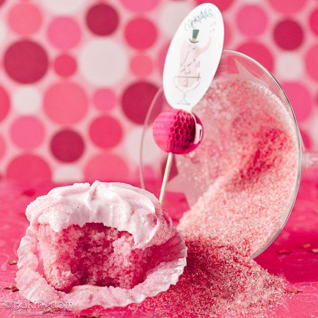 vegan Cosmopolitan Cupcakes - veganPink Cosmo, Vegan Recipe, Vegan Cosmopolitan, Cosmopolitan Cupcakes, Cosmo Cupcakes, Birthday Cupcakes, Vegan Cupcakes, Pink Cupcakes, Cupcakes Parties