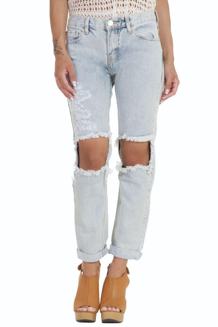 Παντελόνι τζιν απαλό μπλε πετροπλυμενο με σχισίματα γυναικείο glamorous