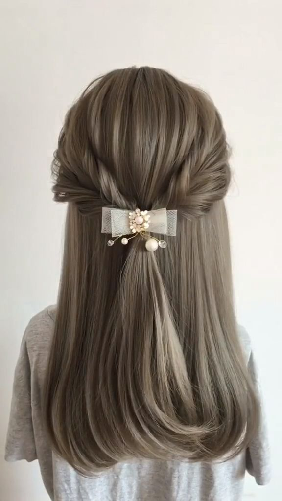 Feb 25, 2020 - This Pin was discovered by ReginaHairstyle. Discover (and save!) your own Pins on Pinterest.