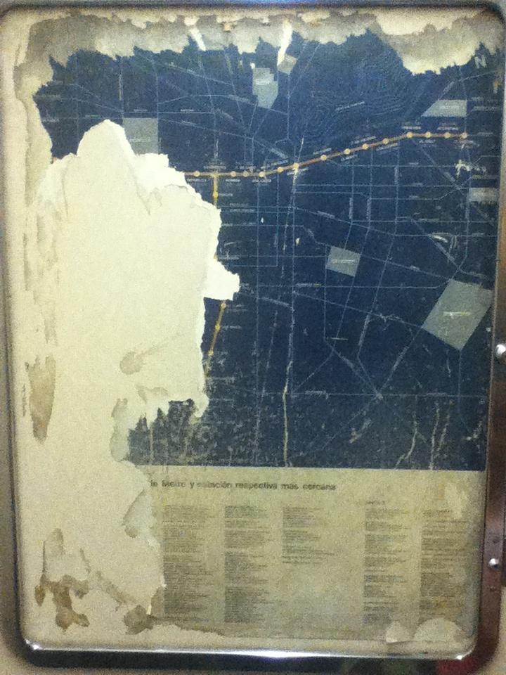 Esto estaba en un vagón del Metro de la Línea 2 (Santiago de Chile). Es un mapa de principios de los ochenta.